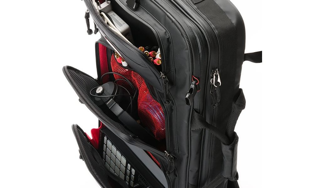 Magma Riot DJ Backpack XXL Open Angled Pockets
